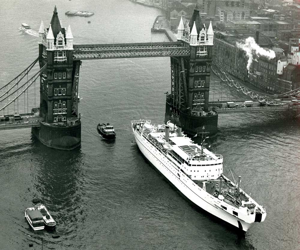 CS Mercury at Tower Bridge,